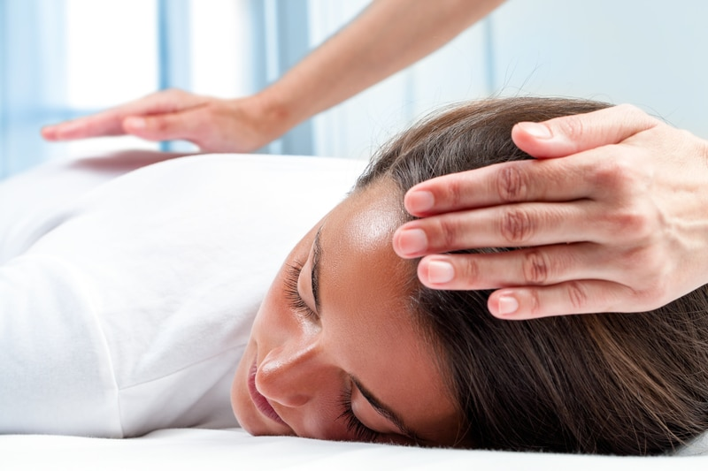 Reiki treatment relaxing